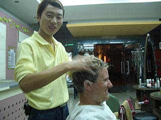 Friseure sind auf der ganzen Welt gleich...